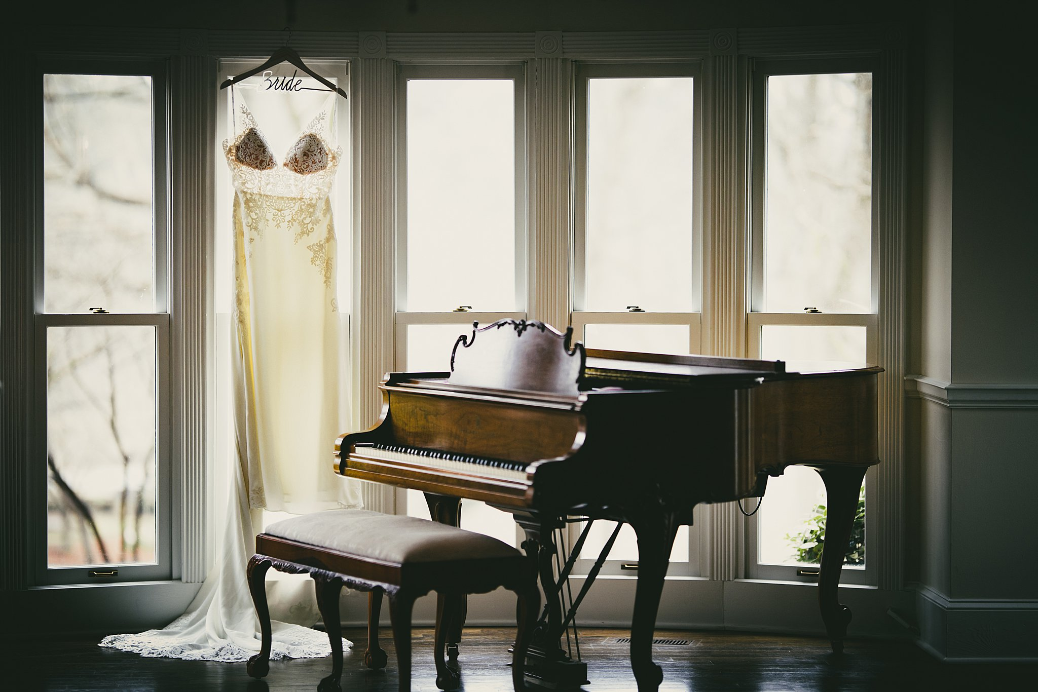 AtlantaWeddingPhotographerWeddingDressDetailShotPiano